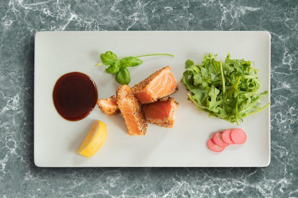 Tataki de Saumon aux graines de Sésame